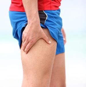 симптомы перелома бедра - боль