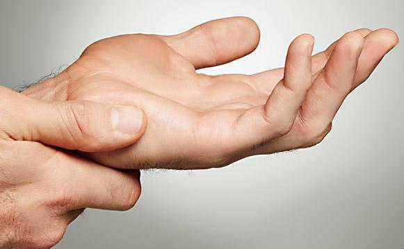 перелом кисти руки