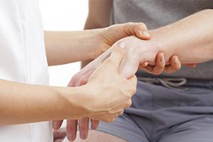 боль в запястье при переломе