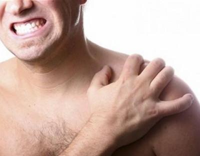 острая боль в плечевом суставе