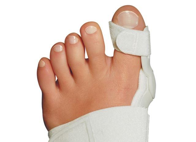 сколько заживает перелом пальца на ноге