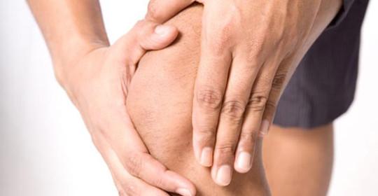 боль при коленном вывихе